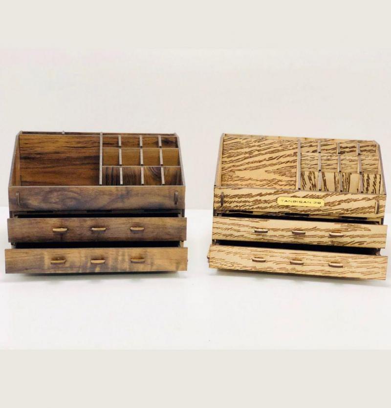 استندلوازم آرایش چوبی